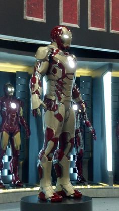 Iron Man 3 Extremis Armor from Comic-Con 2012 Awesome- Though I don't know about all the gold