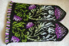"tarelkaz's Mittens ""Symbol of Scotland"" Fingerless Mittens, Knit Mittens, Knitted Gloves, Wrist Warmers, Hand Warmers, Knitting Projects, Knitting Patterns, Vintage Cross Stitches, Fair Isle Knitting"