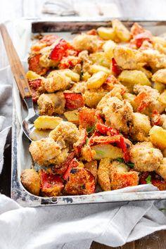 Pollo sabbioso con patate e peperoni Recipe For 4, Antipasto, Diy Food, Chicken Wings, Italian Recipes, Potato Salad, Keto Recipes, Chicken Recipes, Healthy Living