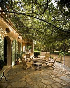 Pergola For Small Backyard Iron Pergola, Metal Pergola, Pergola Patio, Pergola Plans, Backyard Patio, Pergola Kits, Pergola Ideas, Flagstone Patio, Cheap Pergola