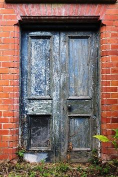 Distressed doors......so beautiful!