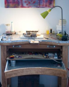 A genuine Alchimia workbench! Notice the metalic casing on top of the bench, which provides a more secure surface for soldering. Poly Nikolopoulou workbench / Photos by Eleni Roumpou