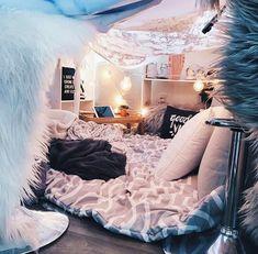 Creative ways unique cozy decor ideas with bedroom string lights 13 fugar. Cute Bedroom Ideas, Cute Room Decor, Room Ideas Bedroom, Girls Bedroom, Bedroom Decor, Bedroom Inspo, Teenage Bedrooms, Bedroom Corner, Bedroom Night
