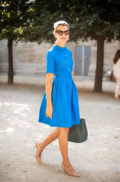 I love these classic dresses...would look great with my new ballet flat toms!