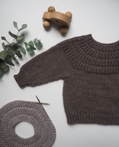 Ravelry: Anker's Sweater pattern by PetiteKnit Knitting For Kids, Knitting Projects, Baby Knitting, Baby Outfits, Kids Outfits, Baby Barn, Rainbow Baby, Baby Sweaters, Knitting Patterns