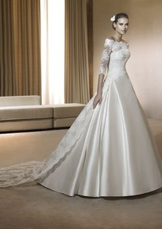 Location robe de mariée Pronovias avec accessoires à Paris