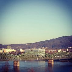 #eisenbahnbrücke #linz #austria #lnz #linzpictures #diebestenbilderderstadt #eisenbahnbruecke #rip #bridge #urfahr #verkehr #stau #hopethebest #planlos #abrisslinz #sperre