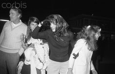 Jacqueline Onassis and daughter, Caroline, look both ways as they looked for John Jr., at airport as Kennedy children and other members of the clan arrived late They will attend funeral services for the late Joseph Kennedy who died John Kennedy Jr, Caroline Kennedy, Jacqueline Kennedy Onassis, Les Kennedy, Sweet Caroline, Familia Kennedy, Aristotle Onassis, Lee Radziwill, John Junior