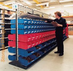 Garage Tools, Garage Shop, Small Parts Storage, Bicycle Store, Supermarket Design, Warehouse Shelving, Tyre Shop, Store Layout, Home Fix