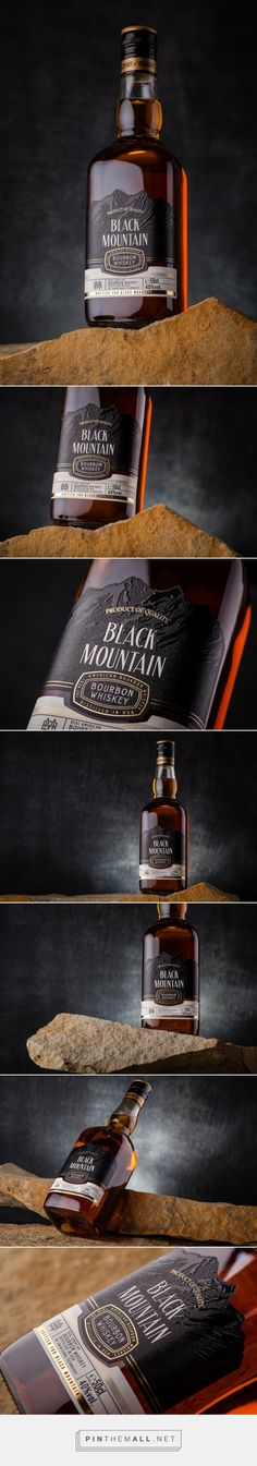 Black Mountain packaging design by 43'oz - Design Studio - https://www.packagingoftheworld.com/2018/03/black-mountain.html