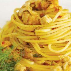 Spaghetti with chicken breast Greek Dishes, Chicken Spaghetti, Pasta, Ethnic Recipes, Greek Beauty, Food, Breast, Essen, Meals
