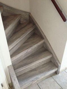 Grijs laminaat op uw trap bebo parket bekleedt uw trap in for Hoeveel traptreden heeft een trap