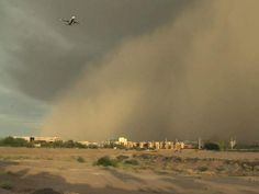 Phoenix Sky Harbor Airport, August 26, 2013. Bill Miley   Read more: http://www.abc15.com/gallery/news/news_photo_gallery/dust-rain-roll-into-the-valley-august-26-2013#ixzz2dEsM9EdD