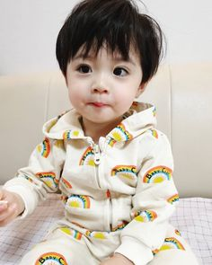 Image may contain: 1 person Cute Baby Boy, Cute Little Baby, Little Babies, Baby Love, Cute Kids, Baby Kids, Cute Asian Babies, Korean Babies, Asian Kids