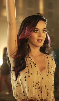 Placement please!! (And who doesn't love Katy Perry?)