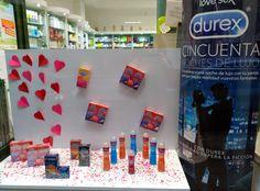 Escaparate de San Valentín -Durex- Farmacia Laviada Gijón