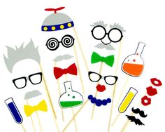 Scientist Photo Booth Props for your Science Party! Made of durable, stiffened felt to last throughout your entire event. Each prop comes attached to a smooth, sturdy wooden dowel rod. Mad Science Party, Mad Scientist Party, Science Fun, Science Experiments, Photos Booth, Photo Booth Props, Props Photobooth, Birthday Photo Booths, Birthday Photos