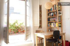 Estudio soleado con terraza en el centro de Barcelona in Barcelona