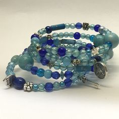 Bedels blauw wire armband