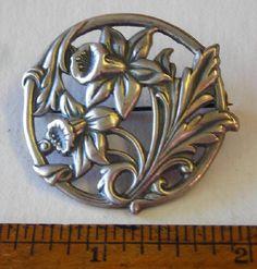 Very Pretty Vintage Sterling Silver DAFFODIL Flower Pin Brooch 7.5 grams