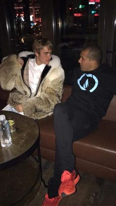 """""""I hope for you that it's a wrong fur coat bc if it is not the case i'm going to slap you very hard @justinbieber"""""""