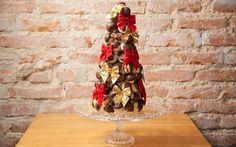Veja como fazer uma deliciosa árvore de carolinas para o Natal