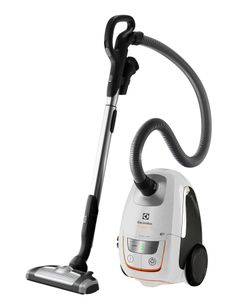 This bagged vacuum cleaner features improved silent air technology and an animal turbo nozzle.