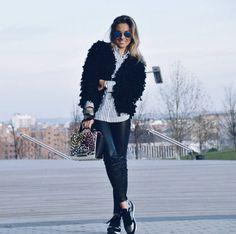 GET THE LOOK❕@vicklook ❌zapatillas jogging metalizado selenio ➡️ por SÓLO 29,90€