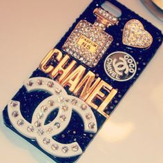 chanel iphone case i want it is Ipod Cases, Cool Phone Cases, Phone Covers, Baby Chanel, Coco Chanel, Phone Accesories, Tech Accessories, Zuhair Murad, Chanel Phone Case