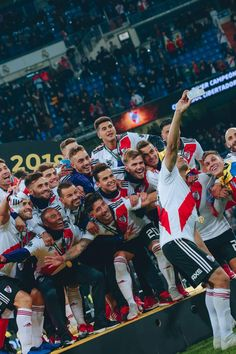 Rugby, Thing 1, Neymar Jr, Fifa World Cup, Madrid, Football, Plates, Carp, Headers