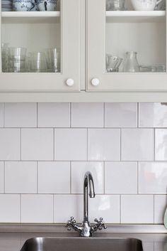 Ljust kök i 20-talshus - Inspiration: Byggfabriken – modern byggnadsvård