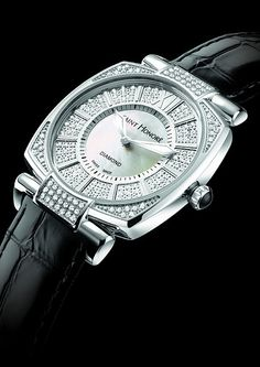 The Saint Honore Euphoria One Carat - Watch Marvel Audemars Piguet, Latest Watches, Cool Watches, Iwc, Breitling, Tour Eiffel, Watch Model, Luxury Watches, Black Backgrounds