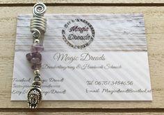 Handgemachte Dreadspirale / dreadperle mit Edelsteinen 🤭🌿 Dreads, Etsy, Personalized Items, Rhinestones, Craft Gifts, Schmuck, Dreadlocks, Goddess Braids, Locs