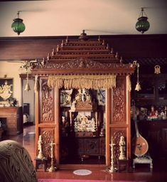 A traditional South Indian home with a beautifully craved temple Gypsy Home Decor, Ethnic Home Decor, Indian Home Decor, Indian Home Design, Pooja Room Door Design, Design Bedroom, Pooja Mandir, Home Temple, Indian Interiors