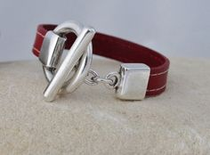 Leather bracelet with silver toggle clasp