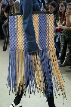 Claudia Li at New York Fashion Week Fall 2019 - Details Runway Photos Cheap Handbags, Purses And Handbags, Luxury Handbags, New Yorker Street Style, Claudia Li, Color Your Hair, Macrame Bag, Dress For Success, Fashion Bags