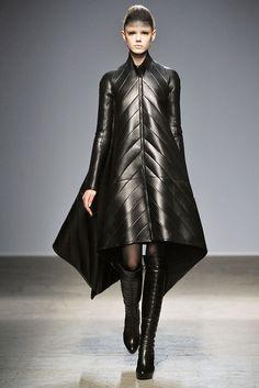 Fall 2010 Ready-to-Wear - Gareth Pugh