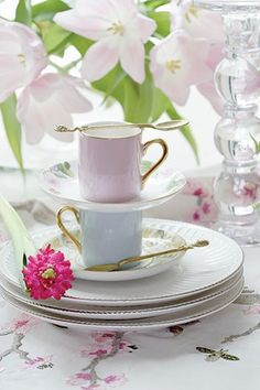 Sweet tea cups