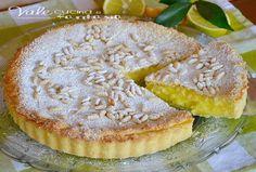 Torta della nonna con crema al limone ✫♦๏༺✿༻☼๏♥๏花✨✿写☆☀🌸✨🌿✤❀ ‿❀🎄✫🍃🌹🍃❁~⊱✿ღ~❥༺✿༻🌺♛☘‿SA May ♥⛩⚘☮️ ❋ Gateau Cake, Torte Cake, Italian Desserts, Italian Recipes, Baking Recipes, Cake Recipes, Cooking Cake, Sweet Tarts, Strudel