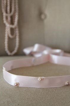 Real Pearl Necklace, Real Pearls, Ribbon Embroidery, Ribbon Bows, Handicraft, Ruffles, Wedding Day, Craft Ideas, Buttons