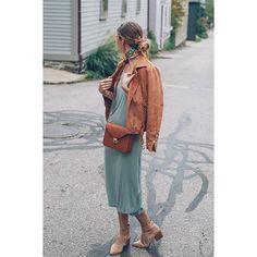 ¡Buenos días! #tendencias #moda para nosotras… lacasitademartina.com 👠👗👜 #streetstyle  #fashionblogger #fashion #trends #blogger #mom #mum #coolmom #lacasitademartina #lcmMum #fashionmom #fashionmum