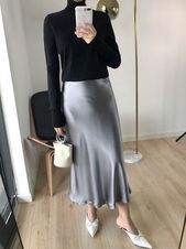 Oh How great this silver grey satin slip skirt looks in this casual outfit with black knit! You should try this outfit with our real silk grey midi slip skirt! Midi Skirt Outfit, Long Skirt Outfits, Casual Work Outfit Summer, Look Fashion, Fashion Outfits, Silver Skirt, Estilo Hippy, Slip Skirts, Satin Skirt