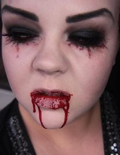 Makeup your Jangsara: Halloween tutorial: Scary sexy character Costume Halloween, Creepy Halloween Makeup, Amazing Halloween Makeup, Scary Makeup, Scary Halloween, Halloween Inspo, Halloween Painting, Halloween Stuff, Vampire Face Paint