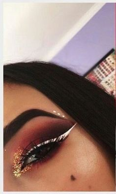 edd8ce7be4f68 In love with this white eyeliner trend. ???? #eyeliner #white