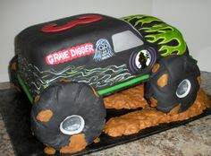 This would be a seriously awesome cake! Maybe I should have a Monster Jam theme for my 25th birthday next January...
