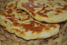 Jogurtové chlebové placky (fotorecept) - recept   Varecha.sk Pancakes, Deserts, Pizza, Breakfast, Breads, Food, Basket, Morning Coffee, Essen