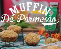 Pro lancho da tarde: Muffin de Parmesão com Crispy de Pesto. É de comer rezando.