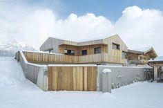 Деревянный дом-сарай в Австрии