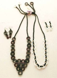 This is neat crochet jewelry! - with diagrams! very easy but great effect!