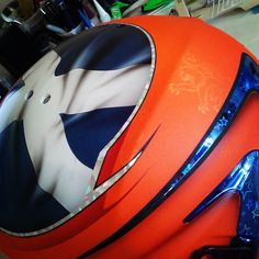Getting down on the shit today #rad #airbrush #custompaint #orange #scottish #wepainthelmets #stilo by wesesdesign